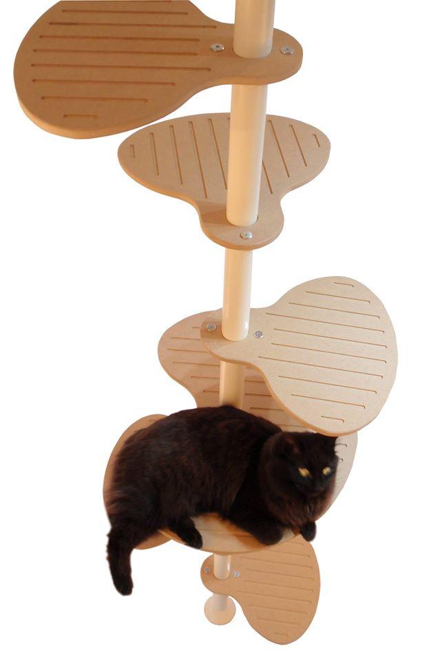 platzsparender katzenturm in modulbauweise interessantes f r katzenfreunde. Black Bedroom Furniture Sets. Home Design Ideas
