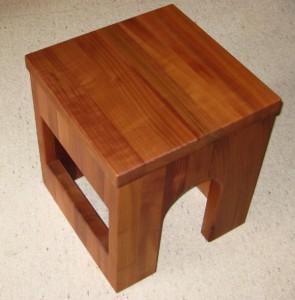 Katzenmoebel Tisch